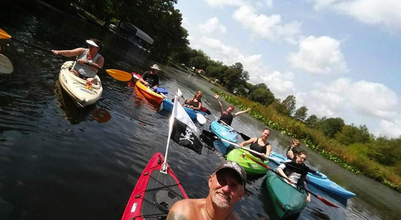 canoeing-at-ed-allens-campground-in-virginia