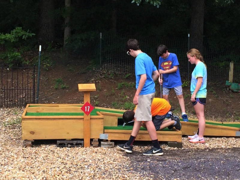 mini-golf-at-christopher-run-campground-in-virginia