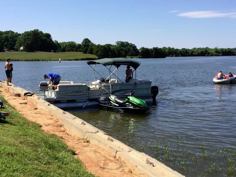 boat-at-tieup