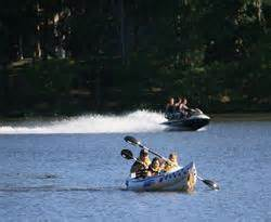 canoe-on-lake-anna