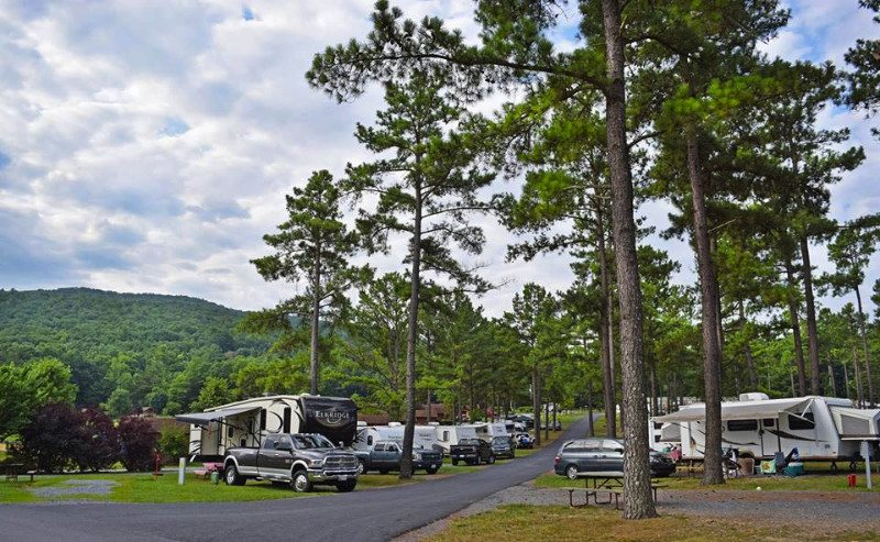 campsites-at-jellystone-luray-in-virginia