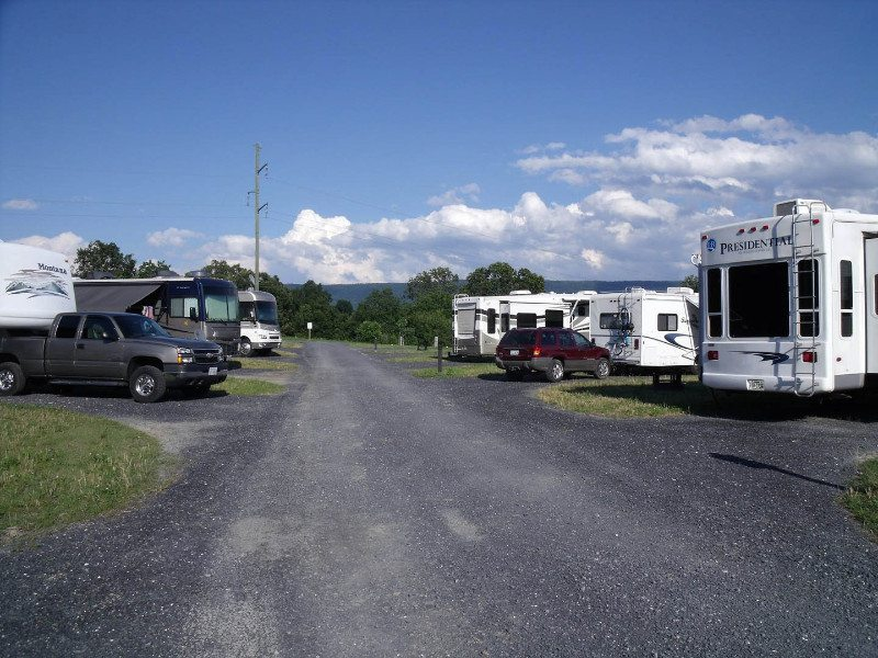 campsites-at-shenandoah-valley-campground-in-mt-jackson-va