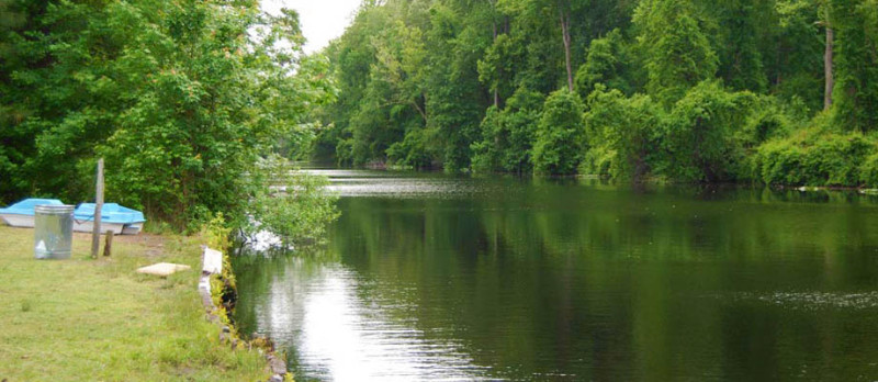 river-floating-and-fishing-at-chesapeake-campground-in-virginia