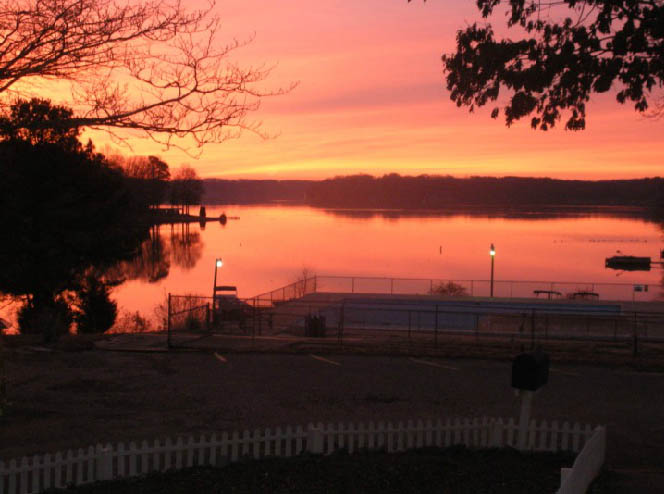sunset-at-americamps-lake-gaston-in-virginia